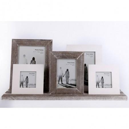 Ensemble de 5 cadres photo sur un plateau en bois