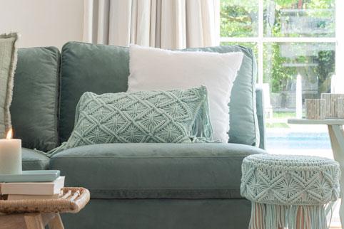 canapé vert de gris